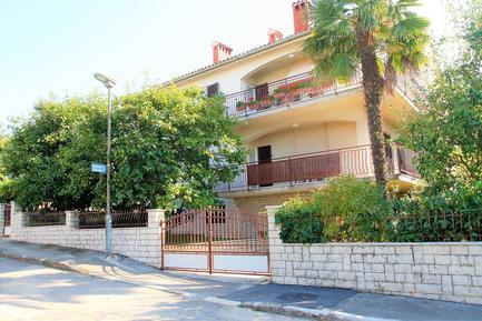 Für 4 Personen: Hübsches Apartment / Ferienwohnung in der Region Spadici
