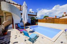 Ferienhaus 923519 für 8 Personen in Rebici