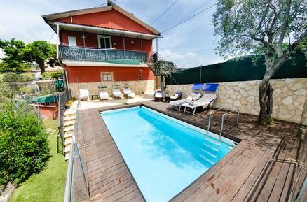 Gemütliches Ferienhaus : Region Arliano für 9 Personen