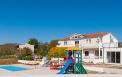 Vakantiehuis 932598 voor 12 personen in Trnbusi