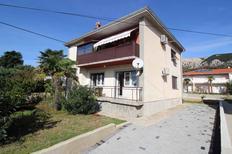 Appartement 932991 voor 5 personen in Baška