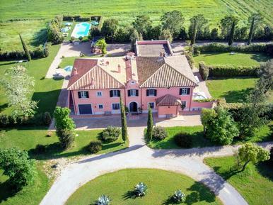 Gemütliches Ferienhaus : Region Orbetello für 14 Personen