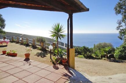 Gemütliches Ferienhaus : Region Torre delle Stelle für 6 Personen