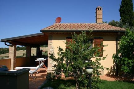 Gemütliches Ferienhaus : Region Cecina für 2 Personen