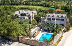 Casa de vacaciones 939052 para 20 personas en Zmijavci