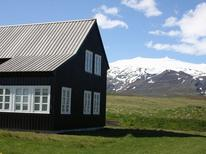 Vakantiehuis 939471 voor 4 volwassenen + 1 kind in Hellnar