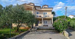 Appartamento 941232 per 8 persone in Sveti Filip i Jakov