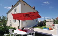 Ferienwohnung 942860 für 6 Personen in Trogir