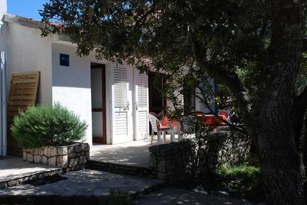 Gemütliches Ferienhaus : Region Losinj für 4 Personen