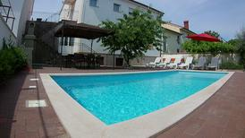 Holiday apartment 945129 for 5 adults + 2 children in Pula