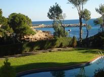 Ferienwohnung 948430 für 8 Personen in Calafat Playa