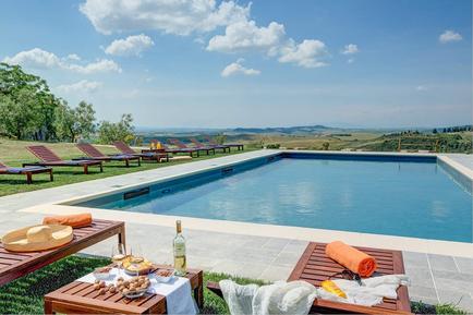 Gemütliches Ferienhaus : Region Volterra für 22 Personen