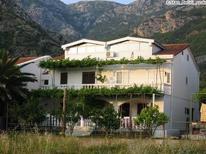 Appartement 954993 voor 5 personen in Bečići