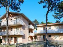 Appartamento 954999 per 5 persone in Lignano Pineta