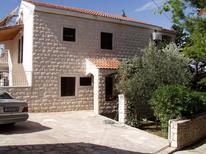 Ferienwohnung 955937 für 3 Personen in Splitska