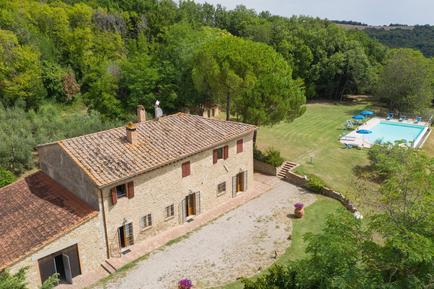 Gemütliches Ferienhaus : Region Volterra für 17 Personen