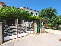 Appartement 957647 voor 5 personen in Fažana-Surida