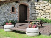 Holiday apartment 958400 for 4 persons in Oix