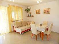 Mieszkanie wakacyjne 960709 dla 4 osoby w Tribunj