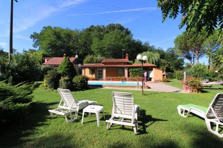 Gemütliches Ferienhaus : Region Bucine für 2 Personen