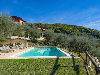 Gemütliches Ferienhaus : Region Montecatini Terme für 10 Personen