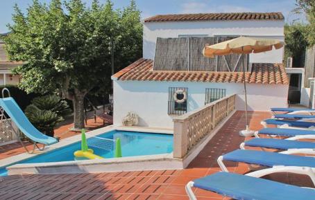 Gemütliches Ferienhaus : Region Calella für 8 Personen