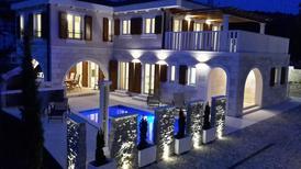 Vakantiehuis 965294 voor 8 volwassenen + 2 kinderen in Sevid