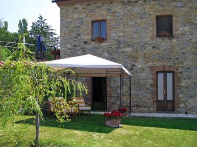 Für 8 Personen: Hübsches Apartment / Ferienwohnung in der Region Castelnuovo di Val di Cecina