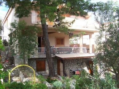 Für 7 Personen: Hübsches Apartment / Ferienwohnung in der Region Sibenik