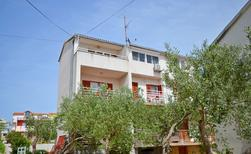 Holiday apartment 968894 for 5 persons in Brodarica