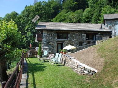 Gemütliches Ferienhaus : Region Tessin für 3 Personen