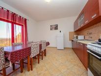 Appartement 970486 voor 6 personen in Meka Draga