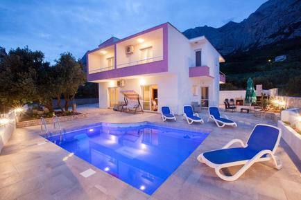 Gemütliches Ferienhaus : Region Makarska für 11 Personen