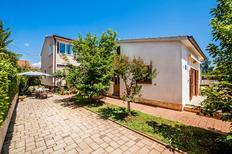 Appartement 973087 voor 6 personen in Rovinj