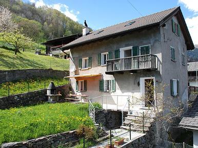 Gemütliches Ferienhaus : Region Tessin für 11 Personen