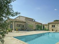 Vakantiehuis 976024 voor 5 personen in Montfrin