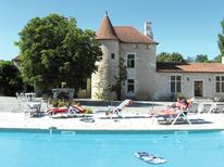 Ferienhaus 976099 für 10 Personen in Lencloître