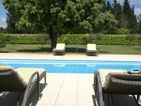 Villa 976411 per 8 persone in Sorgues