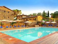 Holiday apartment 976839 for 4 persons in Sovicille