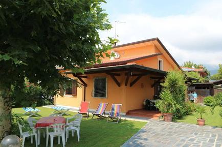 Gemütliches Ferienhaus : Region Cinquale für 5 Personen