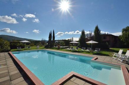 Gemütliches Ferienhaus : Region Badia Agnano für 15 Personen