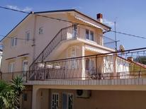 Ferienwohnung 982420 für 2 Personen in Novi Vinodolski