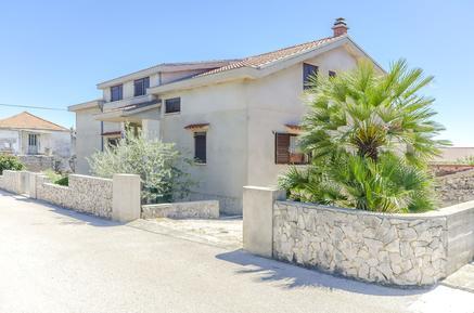 Für 5 Personen: Hübsches Apartment / Ferienwohnung in der Region Vodice