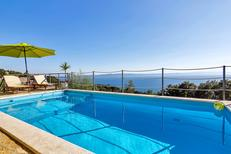 Casa de vacaciones 982690 para 9 adultos + 1 niño en Tučepi