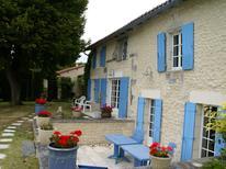 Dom wakacyjny 982942 dla 16 osób w Lusignac