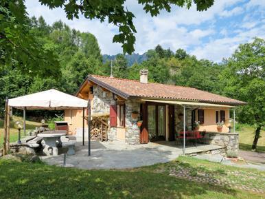 Gemütliches Ferienhaus : Region Luganer See für 10 Personen