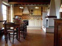 Ferienwohnung 983928 für 6 Personen in Montecarelli