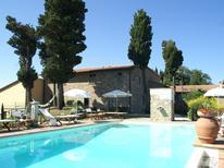 Appartement 983929 voor 6 personen in Montecarelli