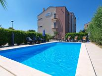 Holiday apartment 986301 for 4 persons in Bibinje