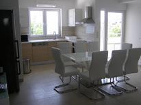 Appartement de vacances 991014 pour 8 personnes , Preko